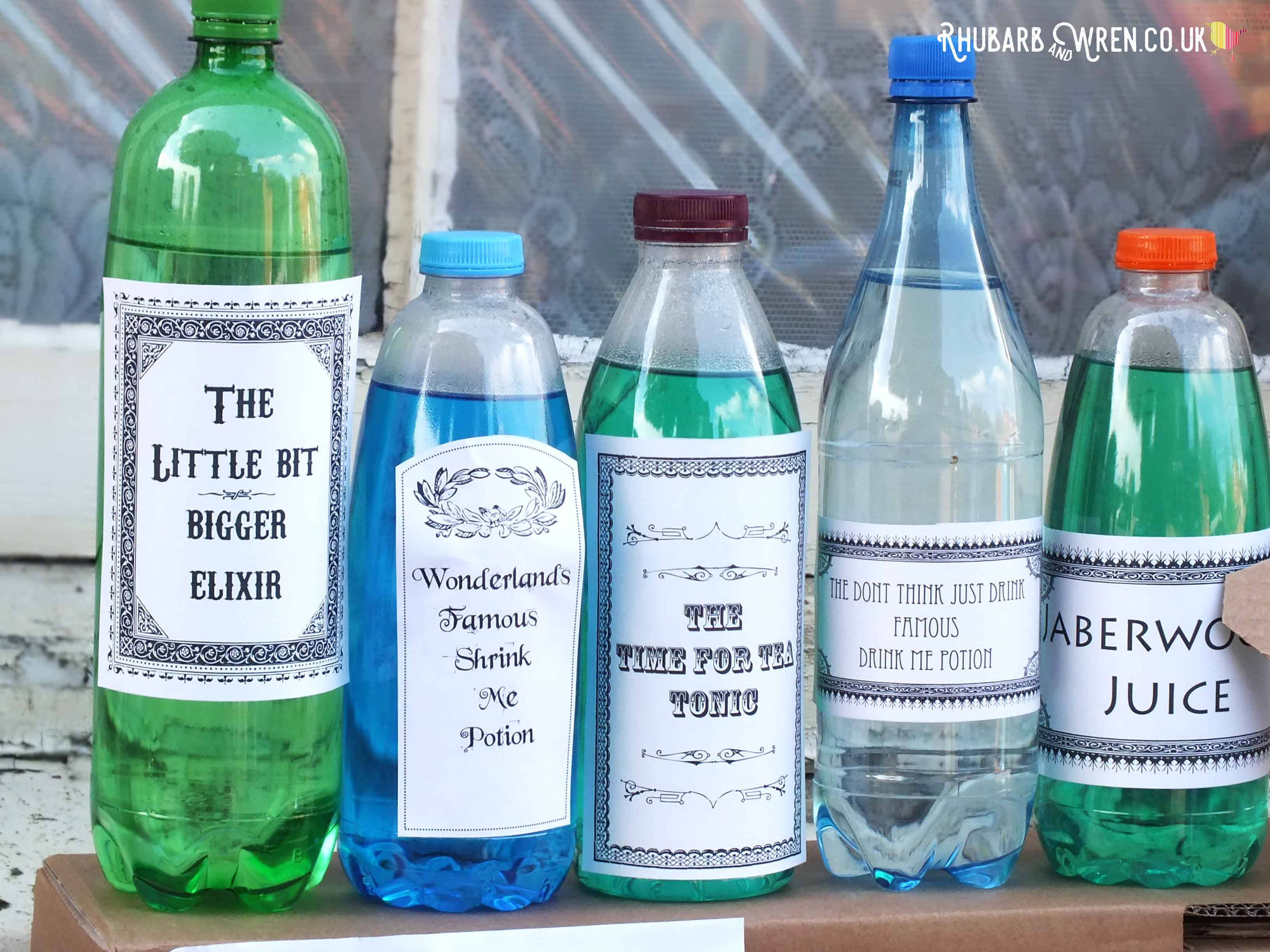 alice_in_wonderland_bottles