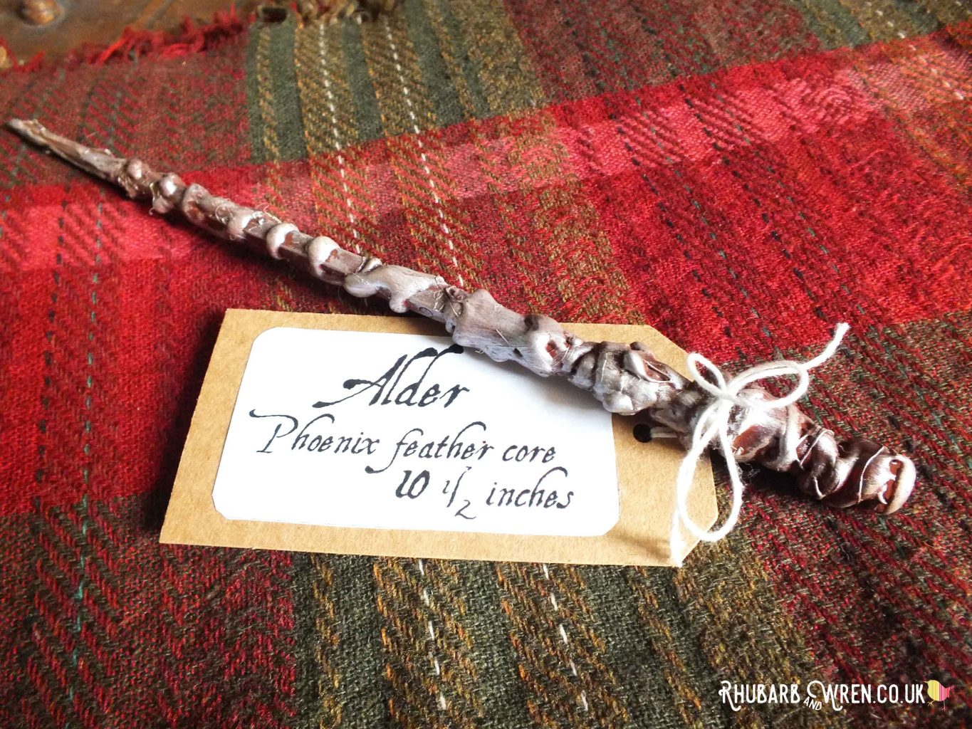 DIY Ollivander wand and label for Harry Potter party bag