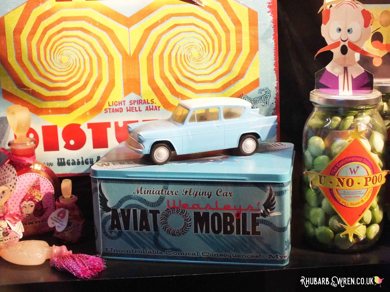 Toy 'Flying Ford Anglia' at the Harry Potter studio tour