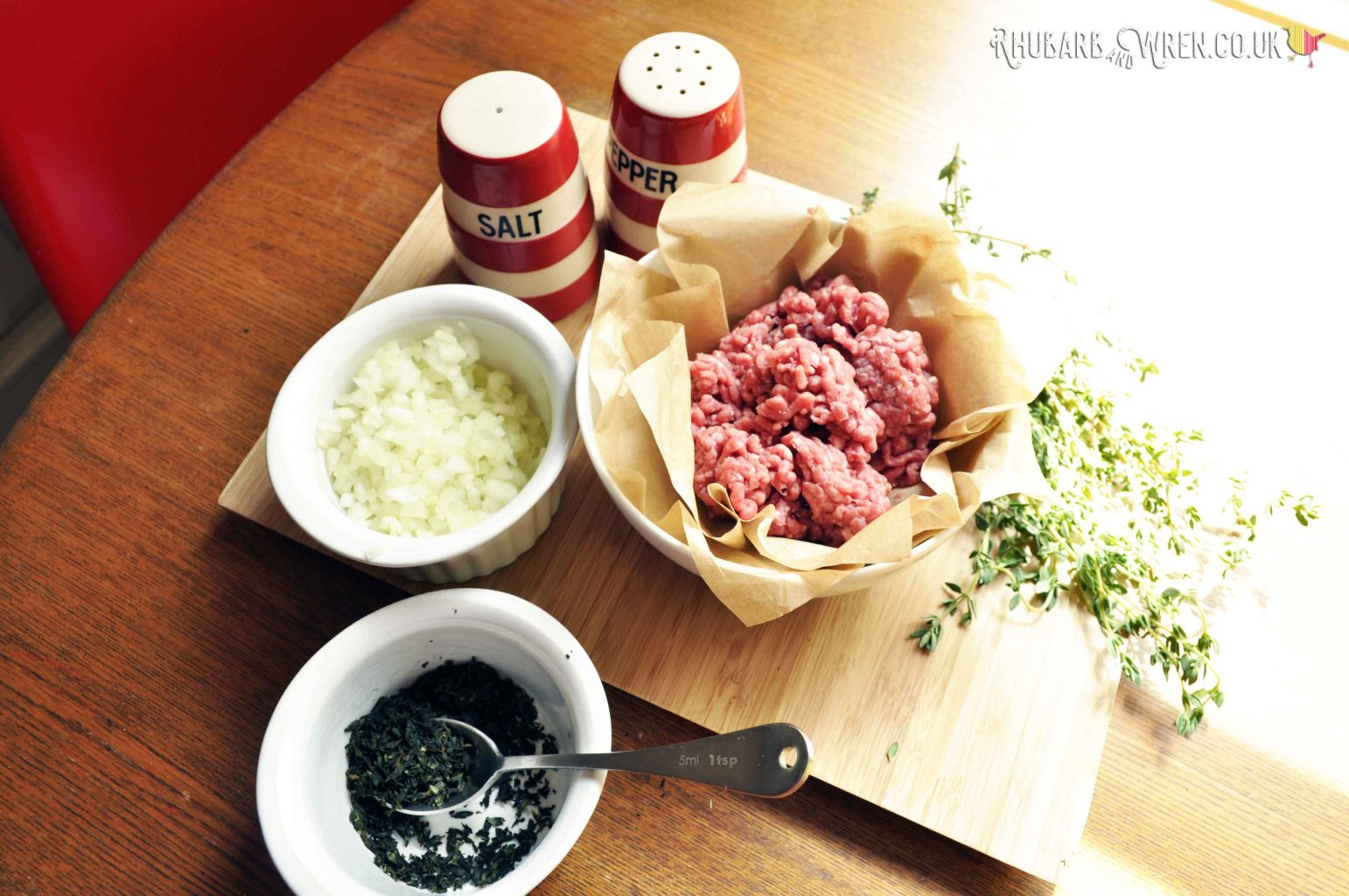 Ingredients for the filling in beef rissoles.