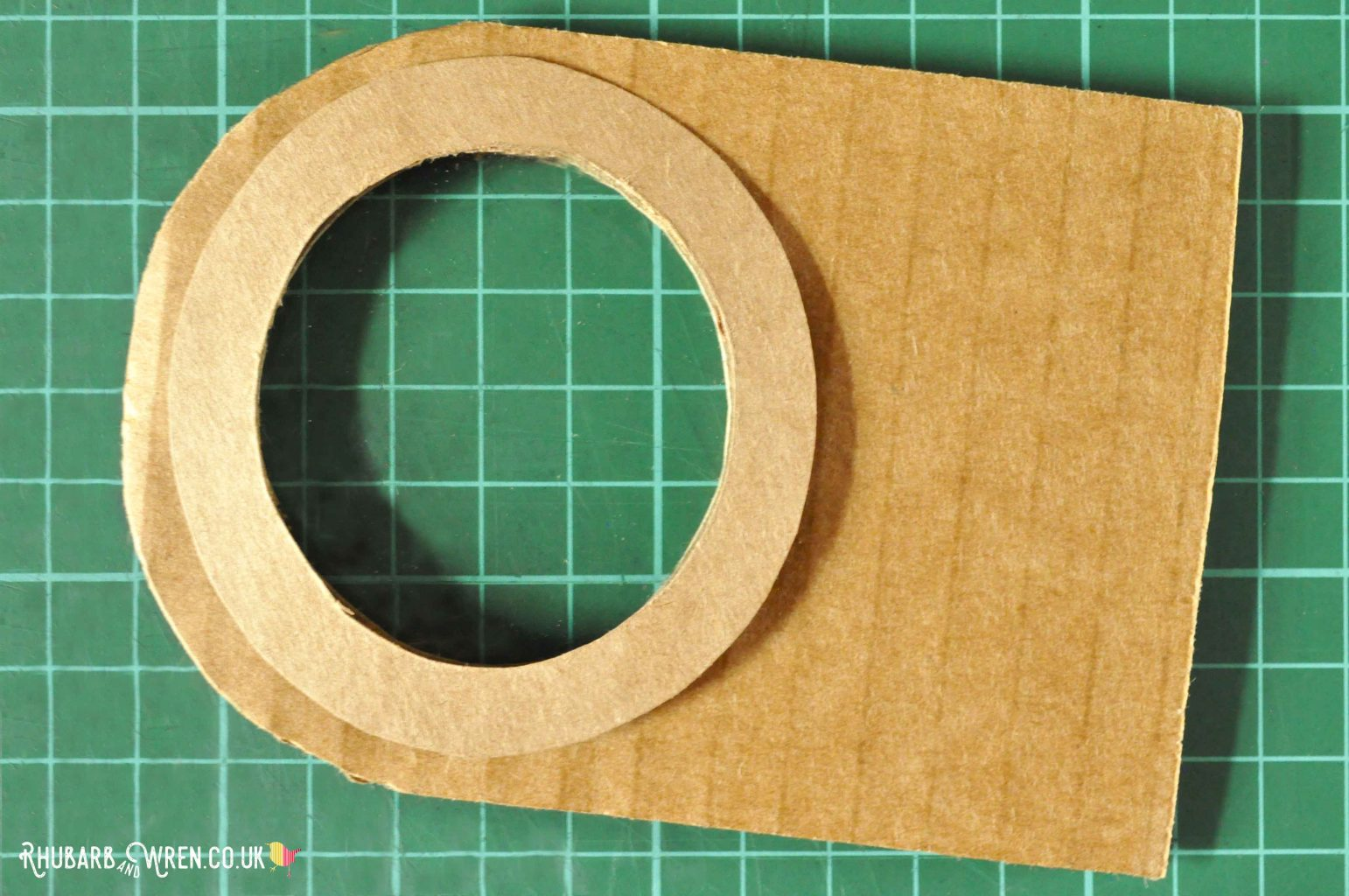 Adding a frame around the lens in a diy real magnifying glass.