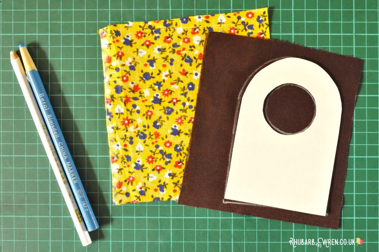 fabric and template for a diy magnifying glass