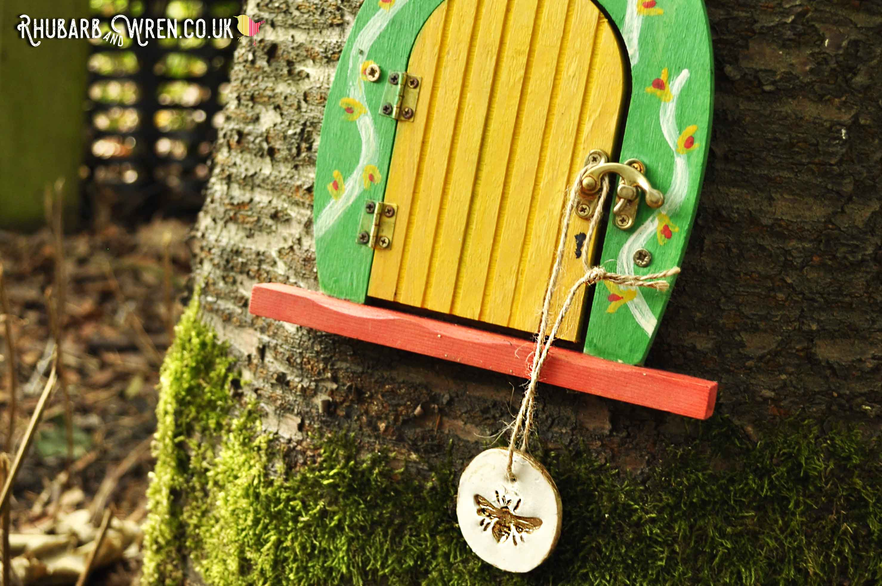 Bee pendant for kids treasure hunt hanging on tree fairy door