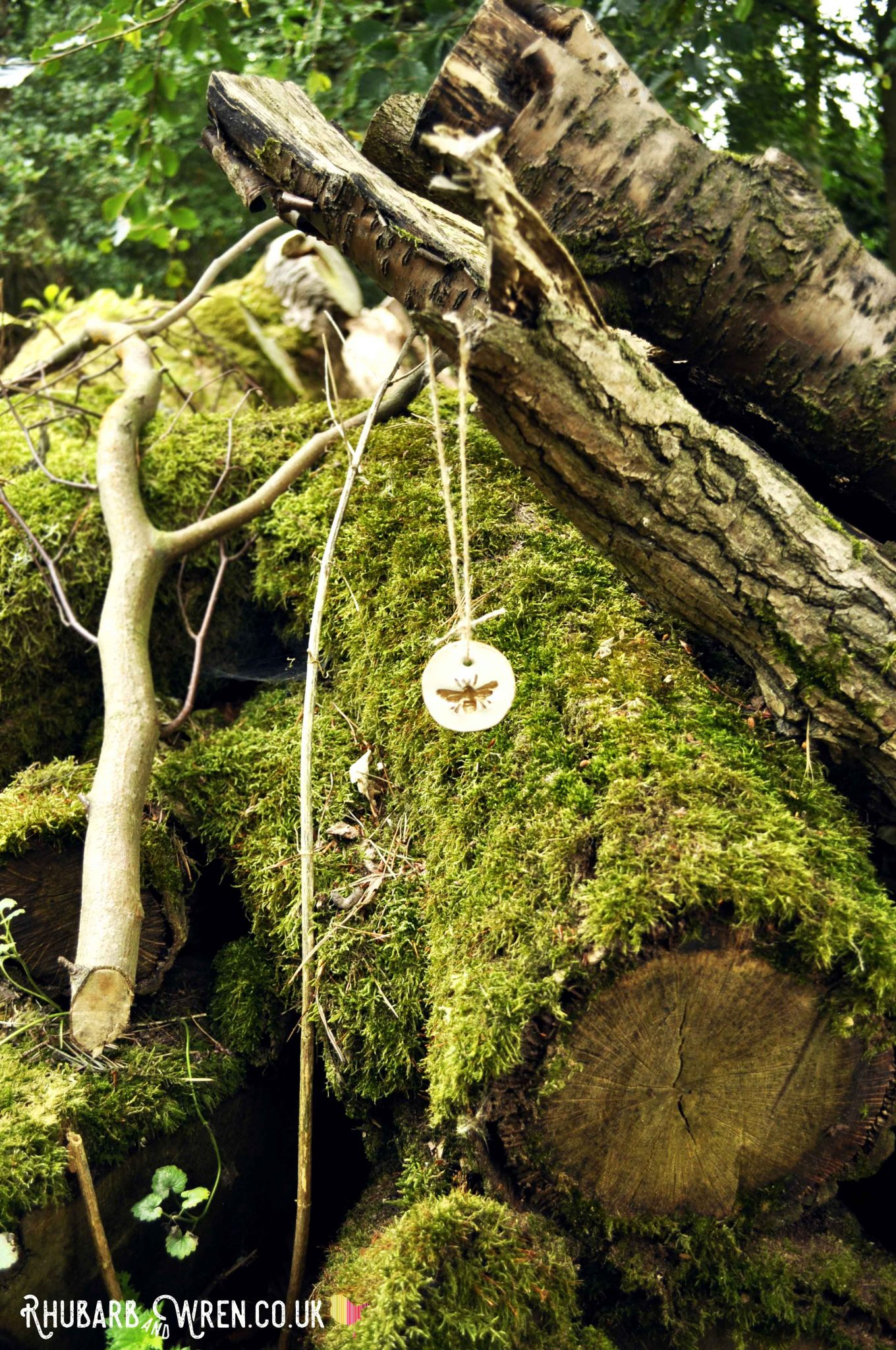 Bee pendant for kids treasure hunt in the woods