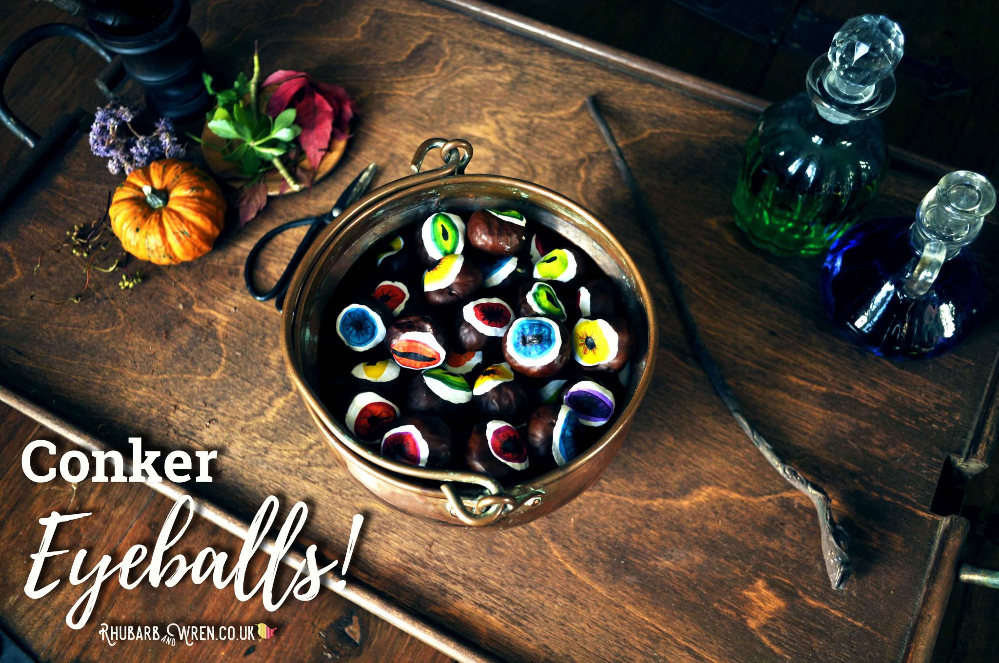DIY conker eyeballs - perfect for an easy Halloween craft!