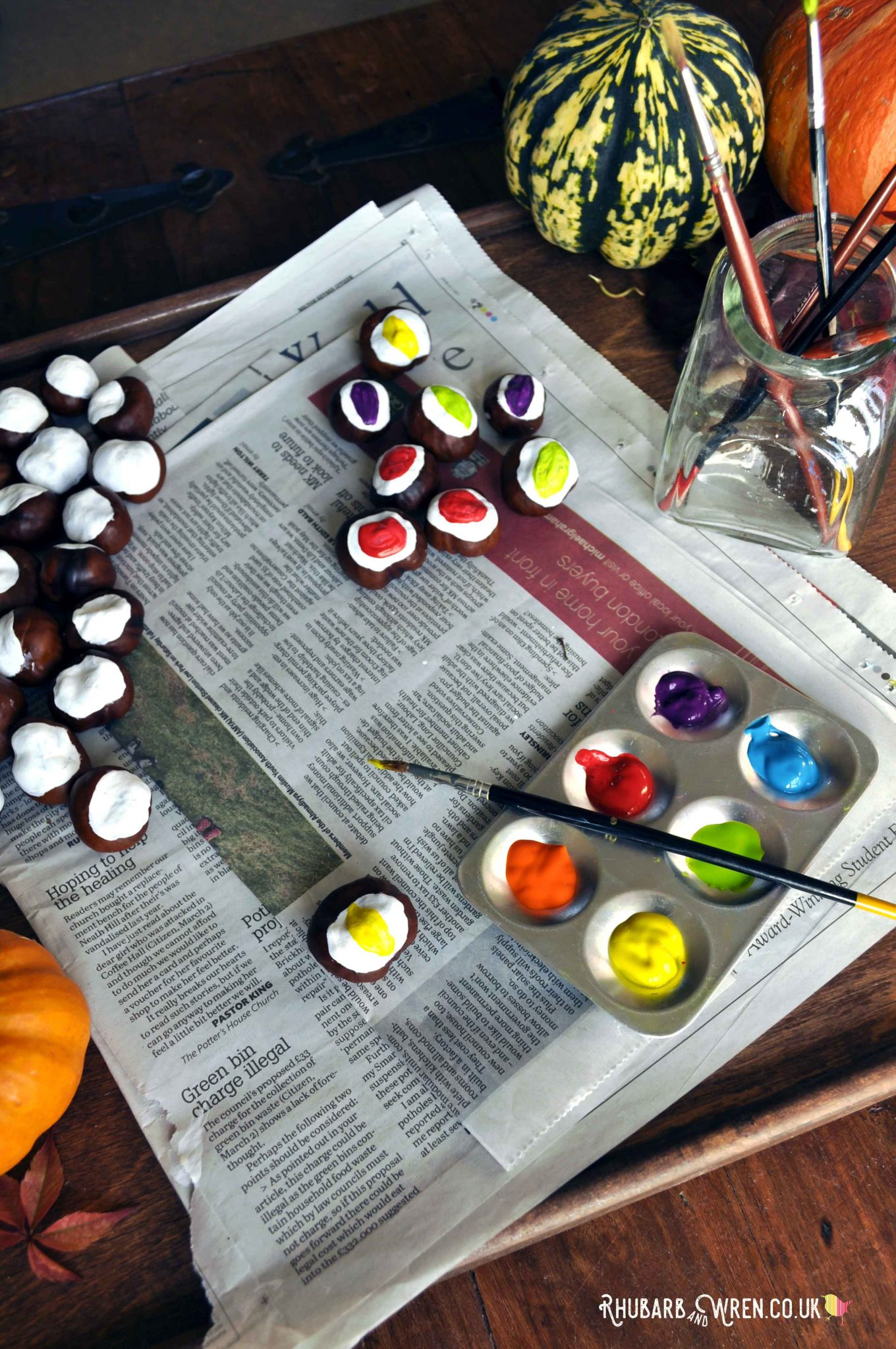 DIY conker eyeballs make fabulous Halloween decorations, and are easy enough for preschoolers to make!